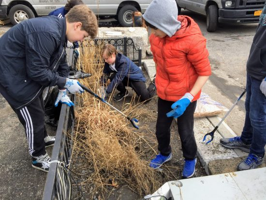 Sixth Graders Get Their Hands Dirty at the Gowanus Canal